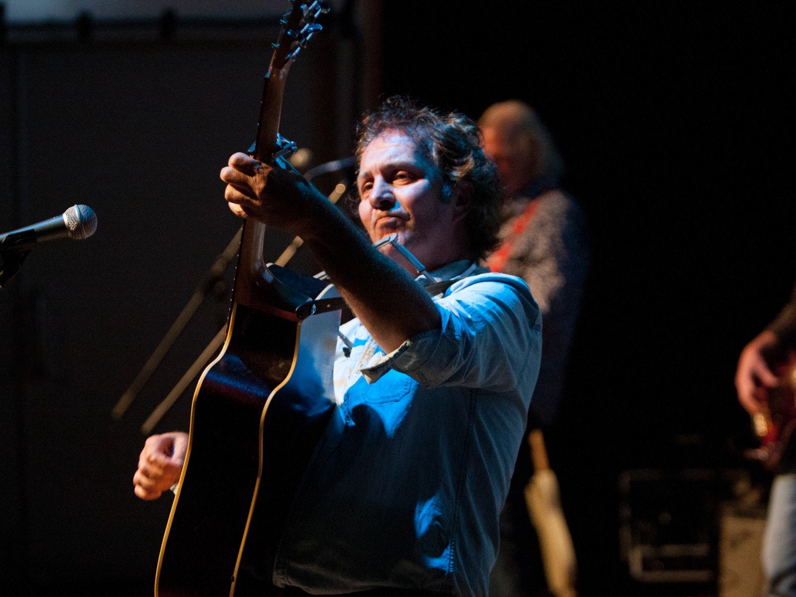 Jeff Jenkins pays homage to Bob Dylan in his show DYLANesque - the Bob Dylan Story