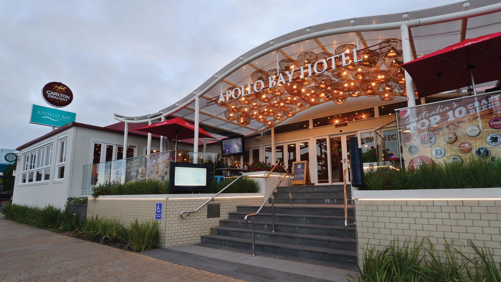 Apollo Bay Hotel - Exterior