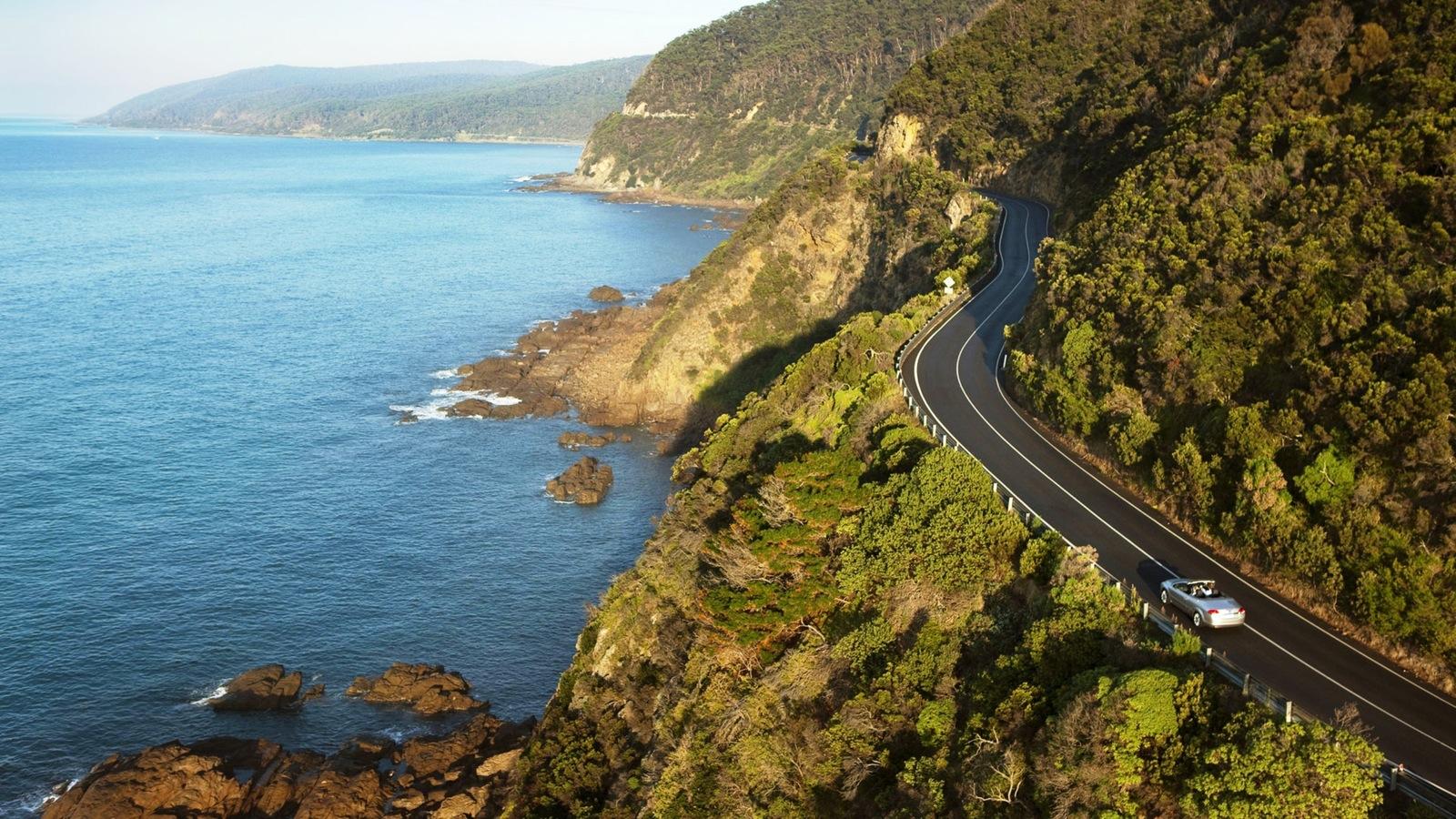 Flying the Great Ocean Road with 12 Apostles Flight Adventures, Torquay