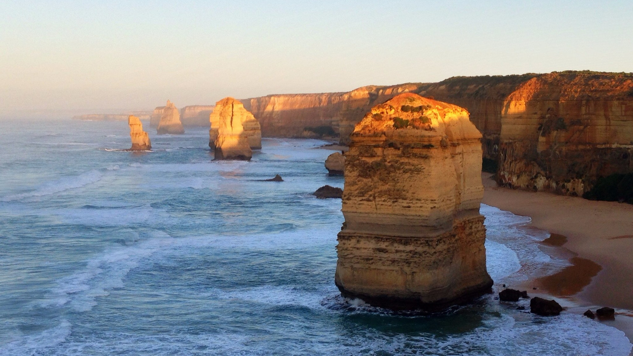 12 Apostles looking West
