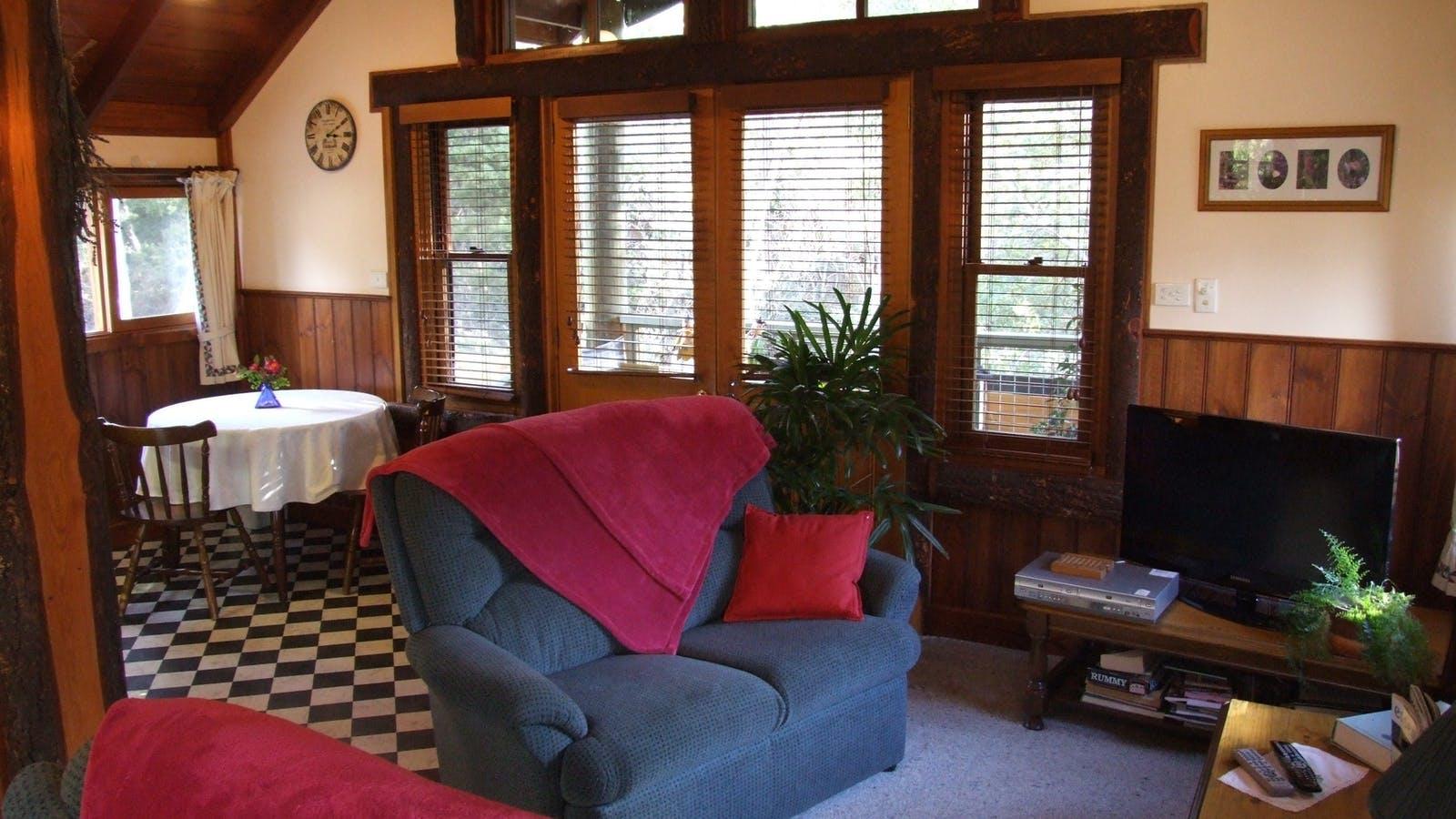 Lavender Hue B&B accommodation, Harrietville, North East Victoria, Great Alpine Valleys