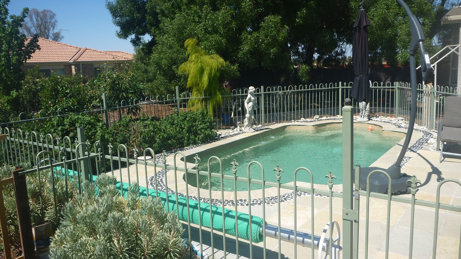 The solar heated pool,a guest favourite in summer