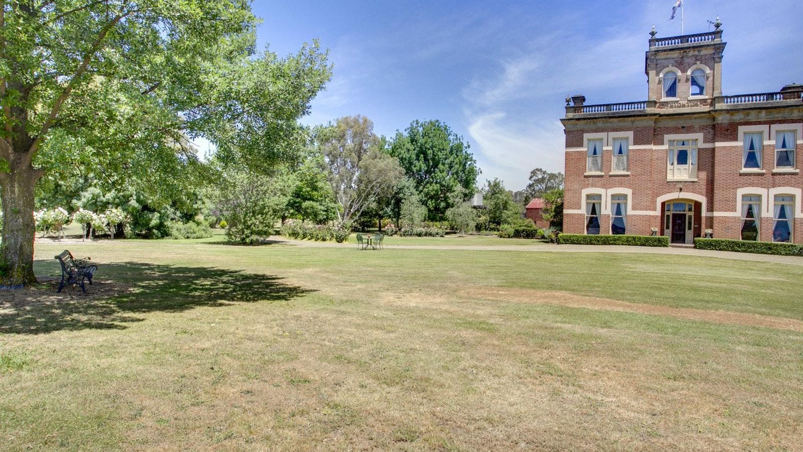 Highton lawn
