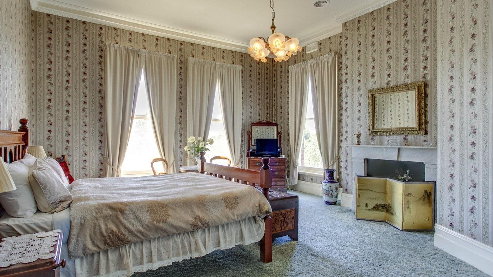 Highton Manor room