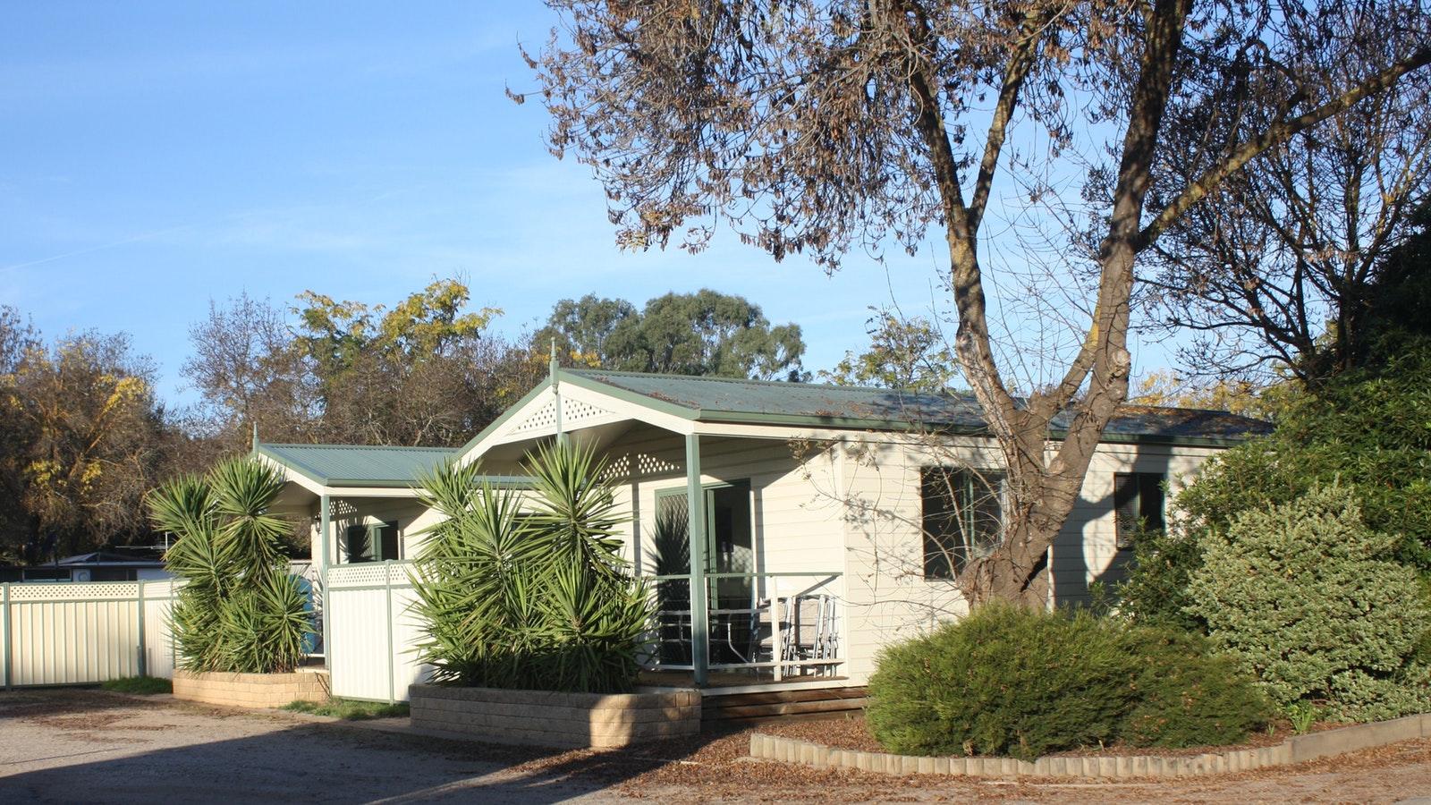 2 Bedroom Deluxe cabins, well shaded front verandah,