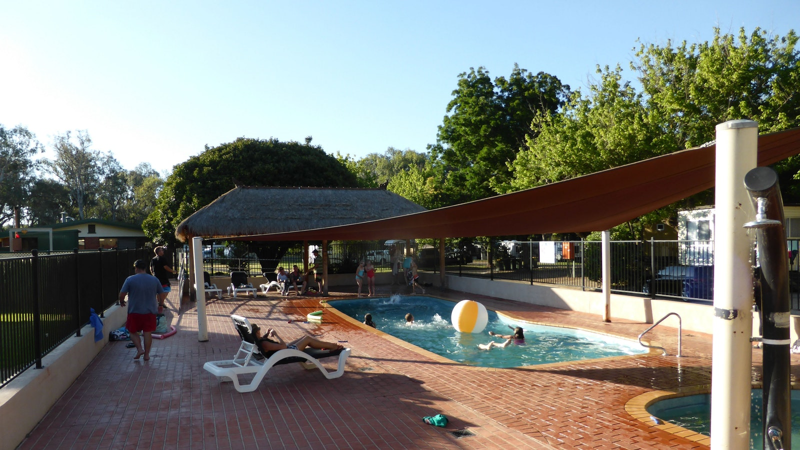 Large pool area including wading pool