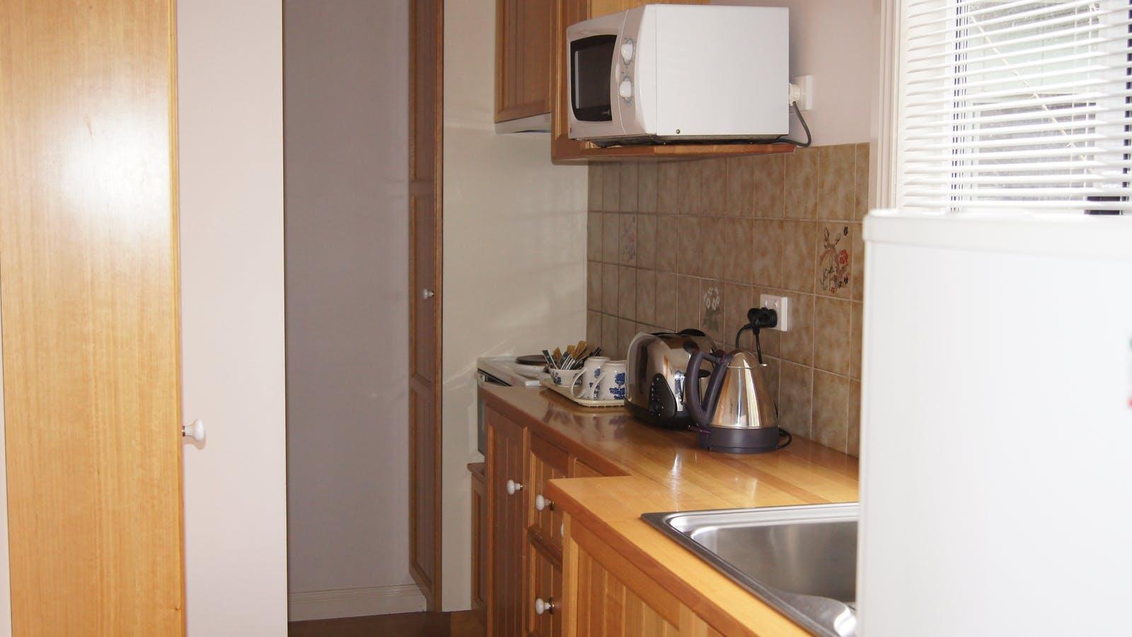 1 br chalet kitchen