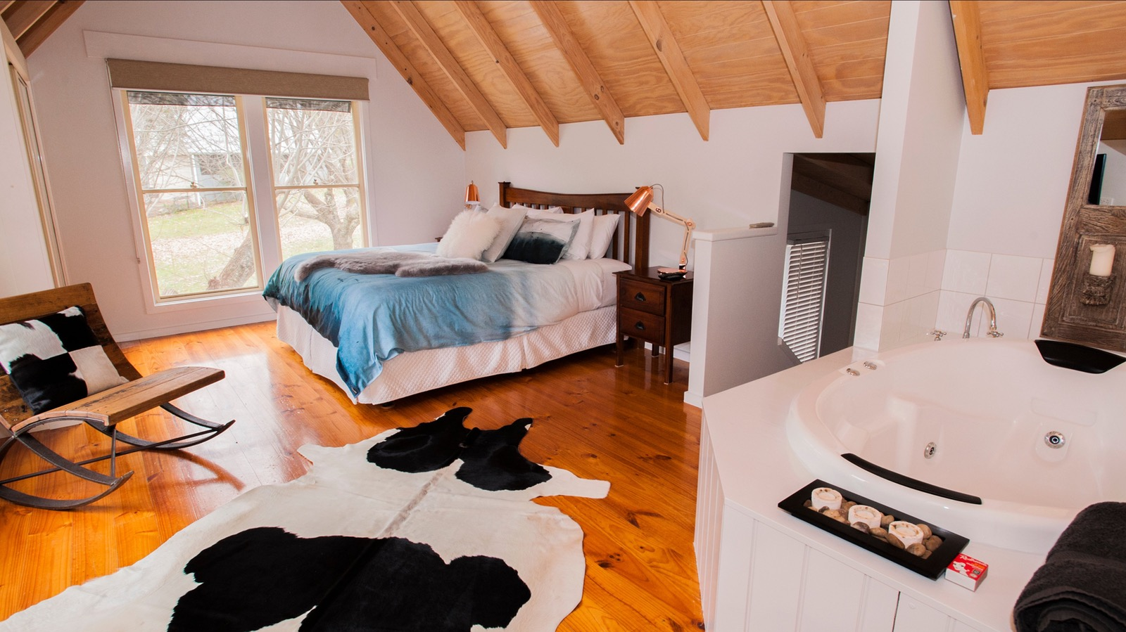 Abby's Cottage - Bedroom & Spa