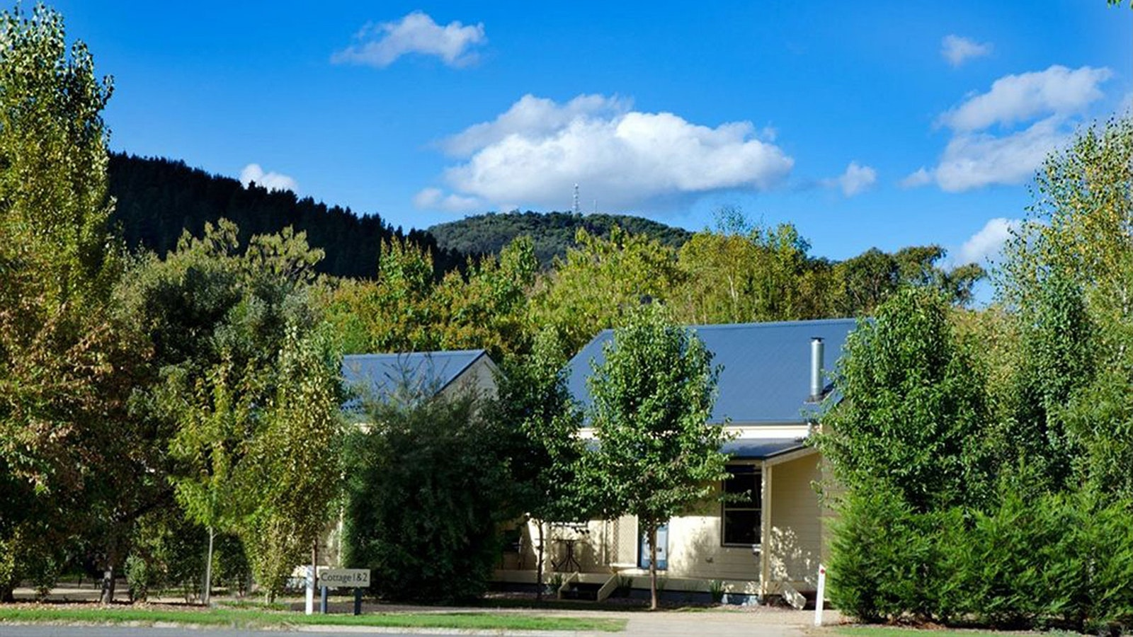 Street view of Alpine Valley Cottages