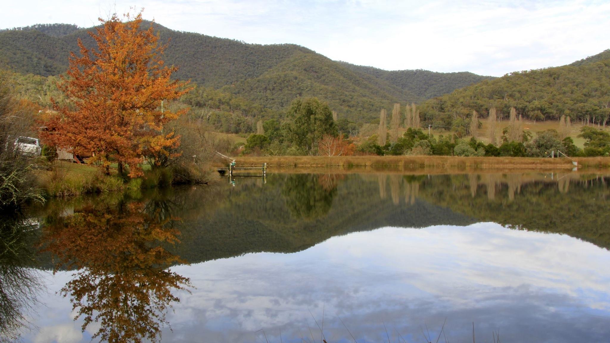 Mirror Lake in Jamieson Valley Retreat