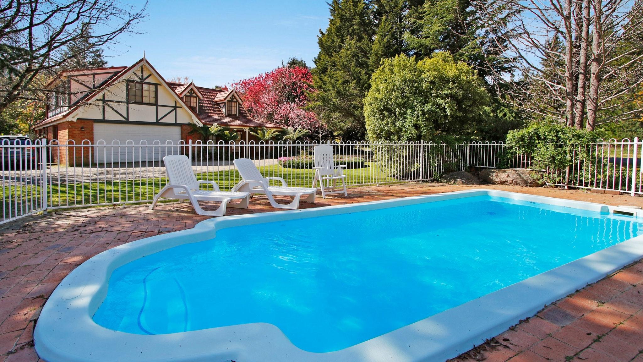 Tudor Pool