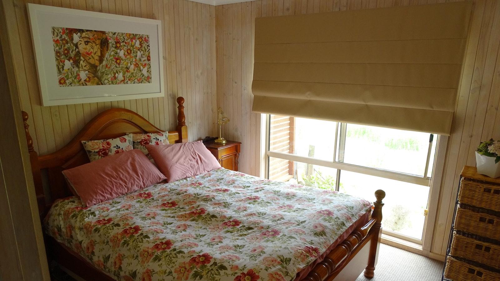 Master bedroom, queen bed, built in robes, heating