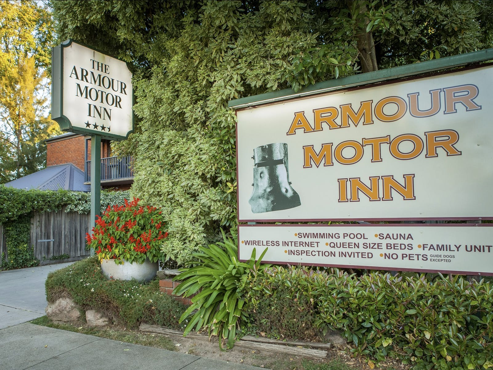 Armour Motor Inn
