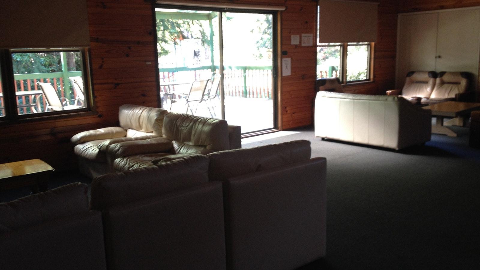 Shamrock Lodge Lounge area