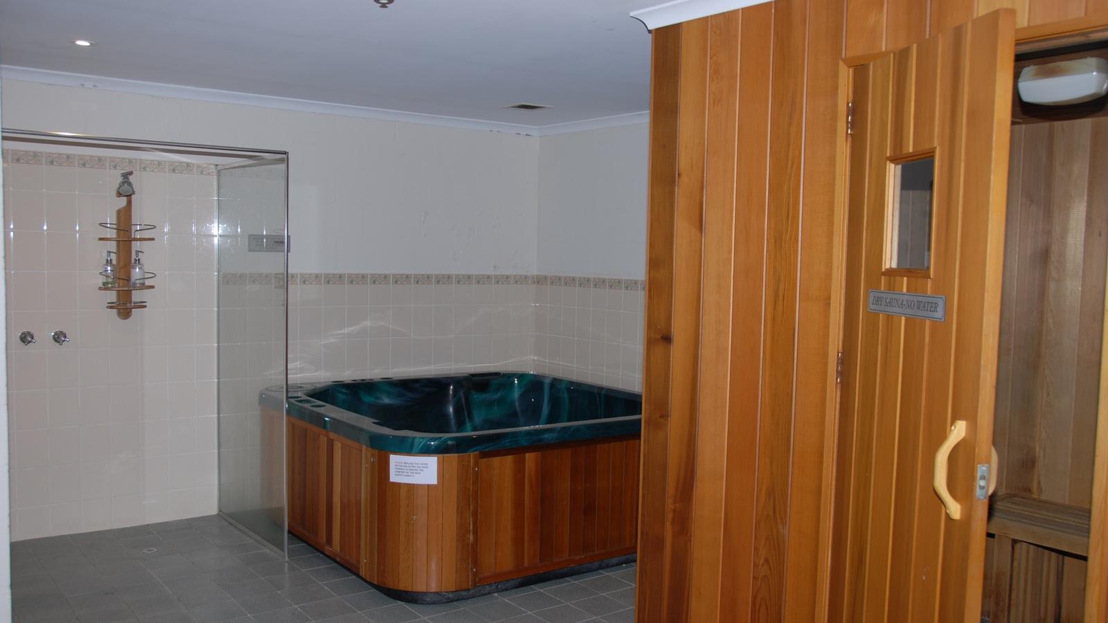 Sauna and Spa Room