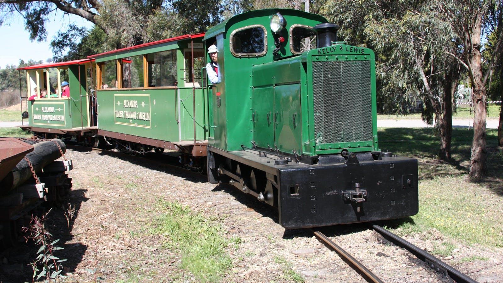 ATT's Kelly & Lewis diesel hauls a Market train