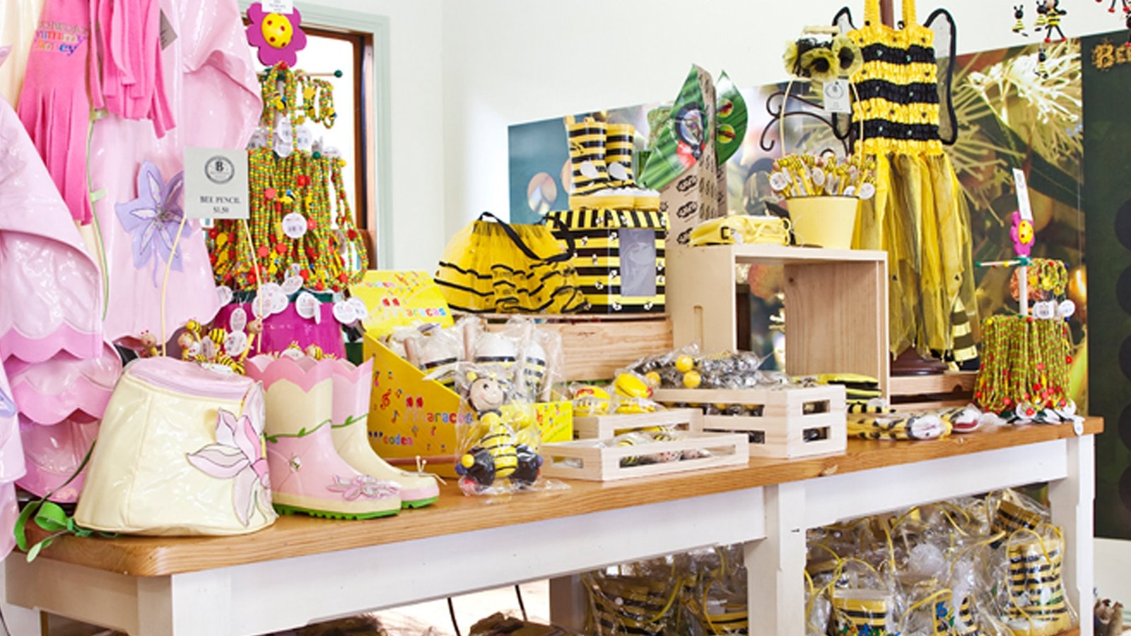 Browse the Beechworth Honey Experience store