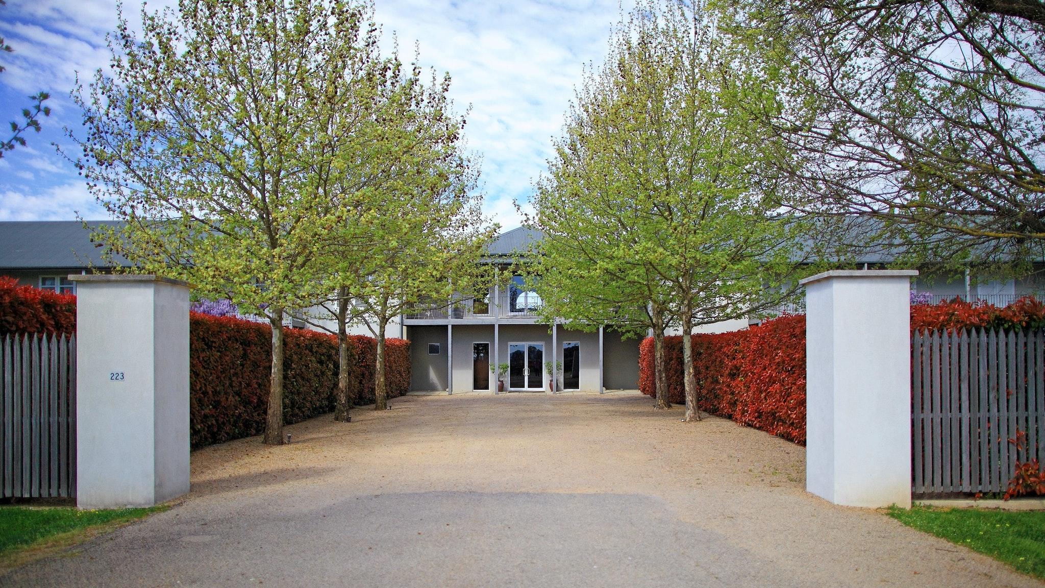 Entrance to Lindenwarrah