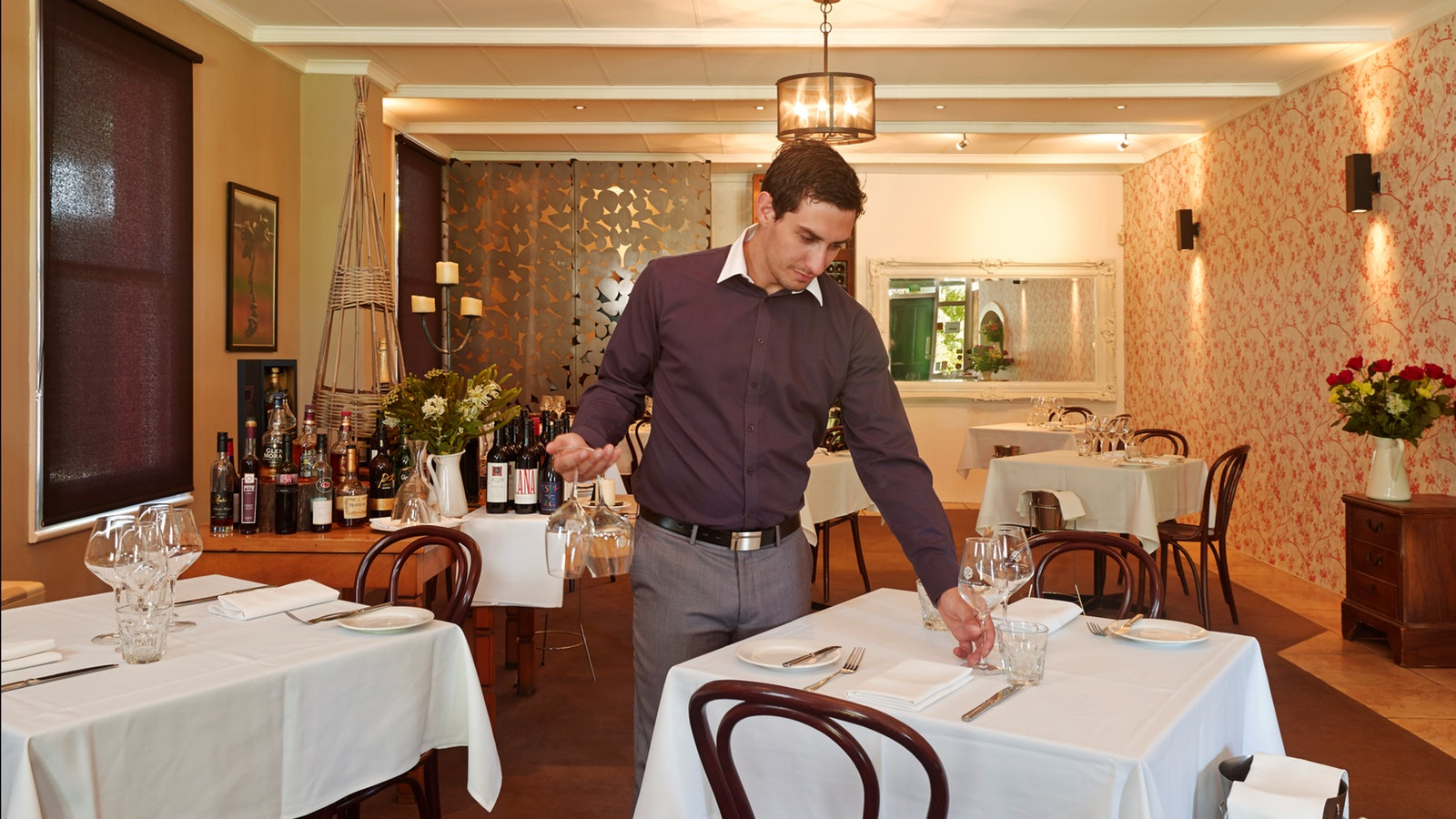 Head Sommelier, Fine Dining Lounge, Moutain View Hotel
