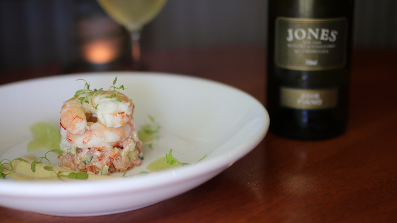 Prawn mousseline & Jones Fiano