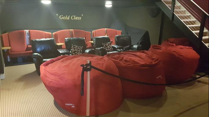 Mansfield Armchair Cinema Attraction High Country