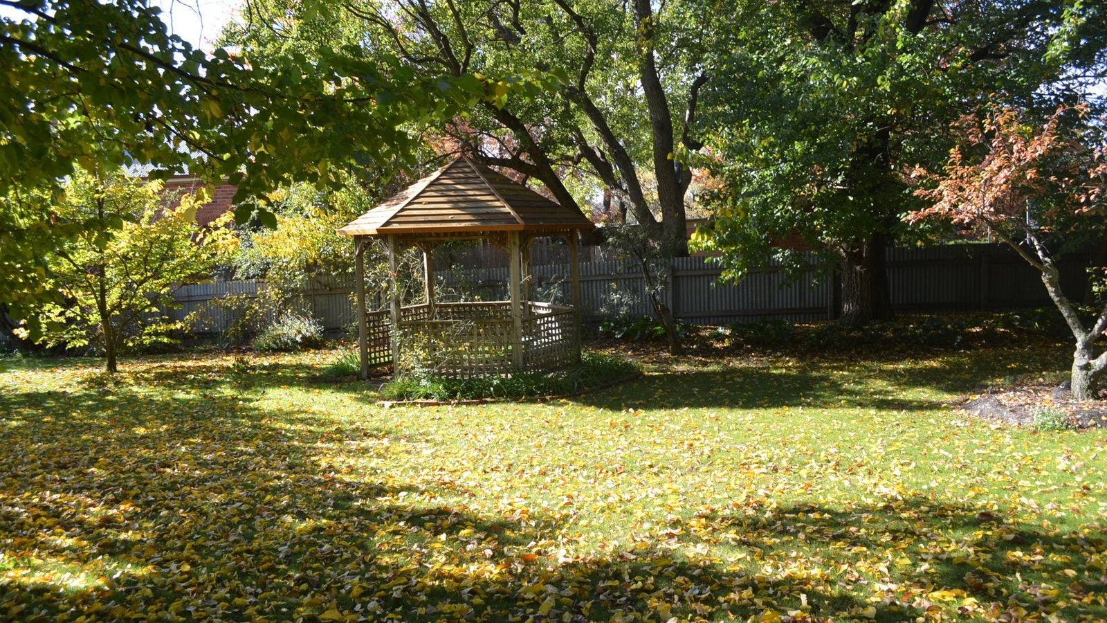 Lake View House