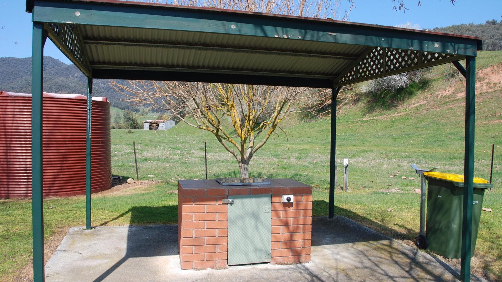 Eskdale roadside rest area