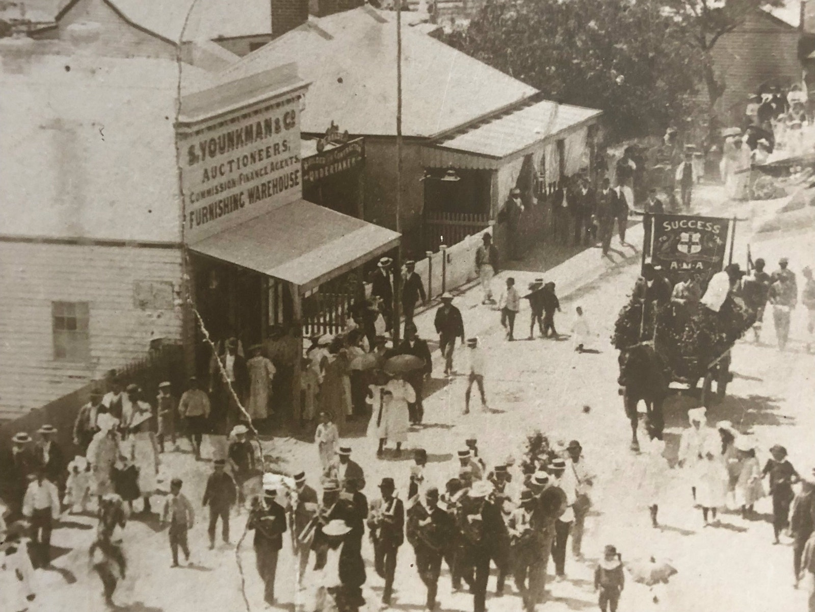 Rutherglen Main Street in the early 1900's