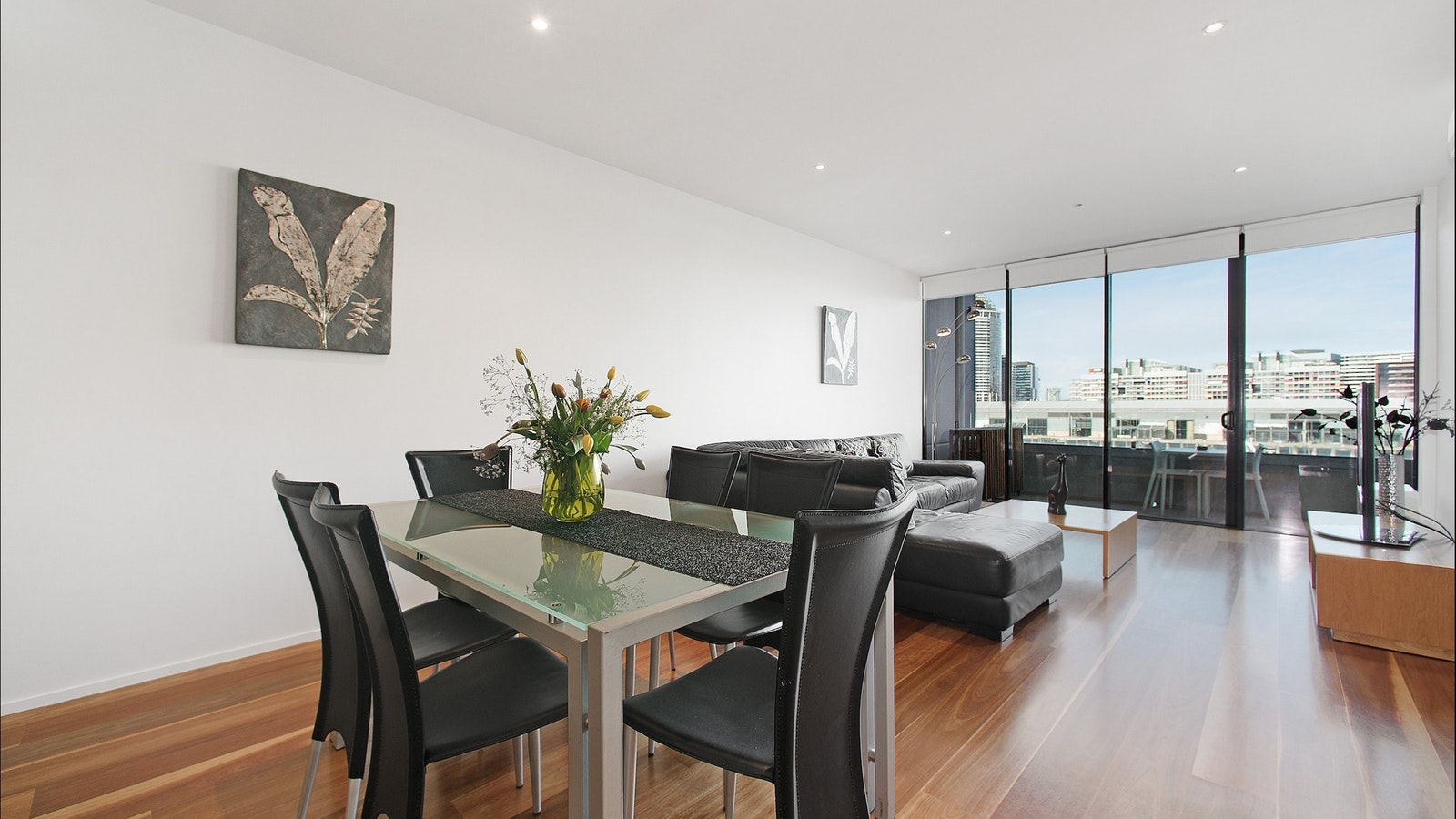 Melbourne Serviced Apartments at Docklands