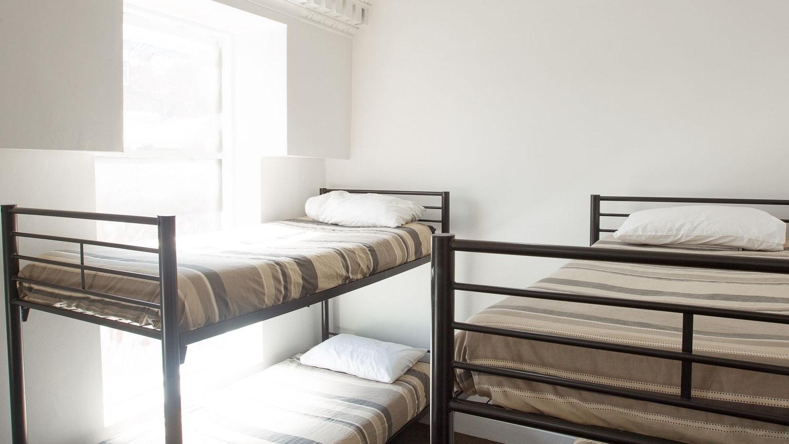 Original__9713480_EA19_dorm_room_nomads_st_kilda_beach.jpg