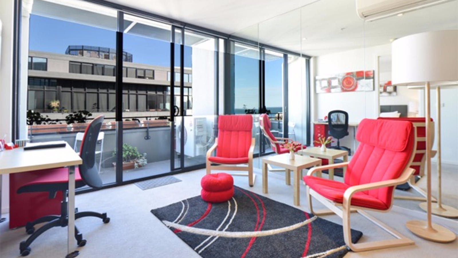 Serviced apartment near cafes restaurants shops and trams