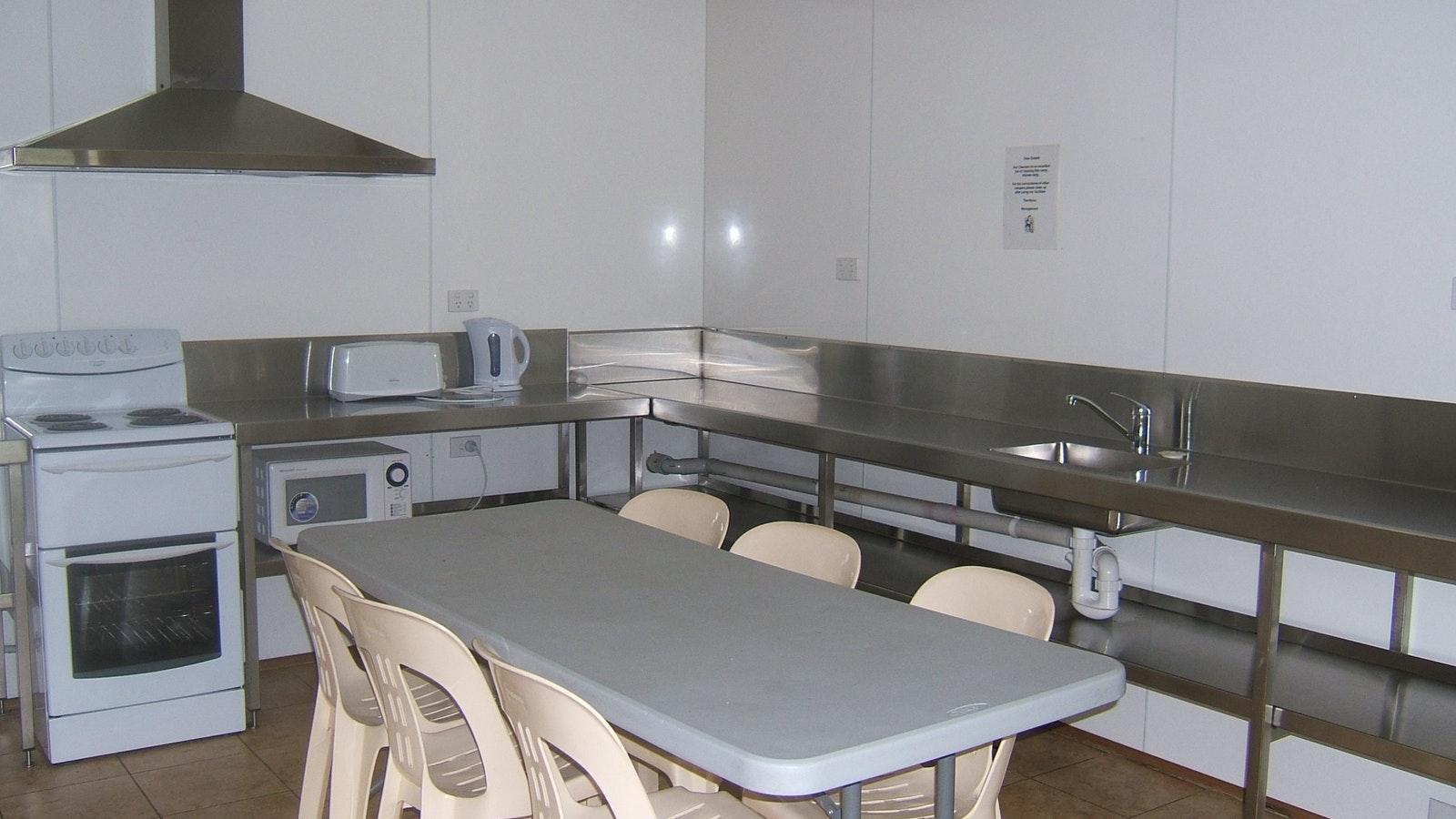camp kitchen Melbourne BIG4 caravan park