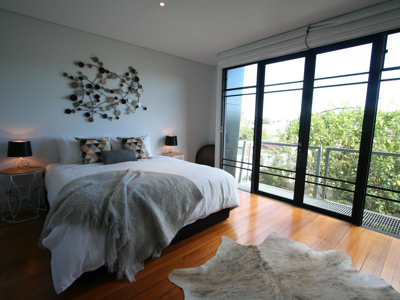 Spacious king master bedroom