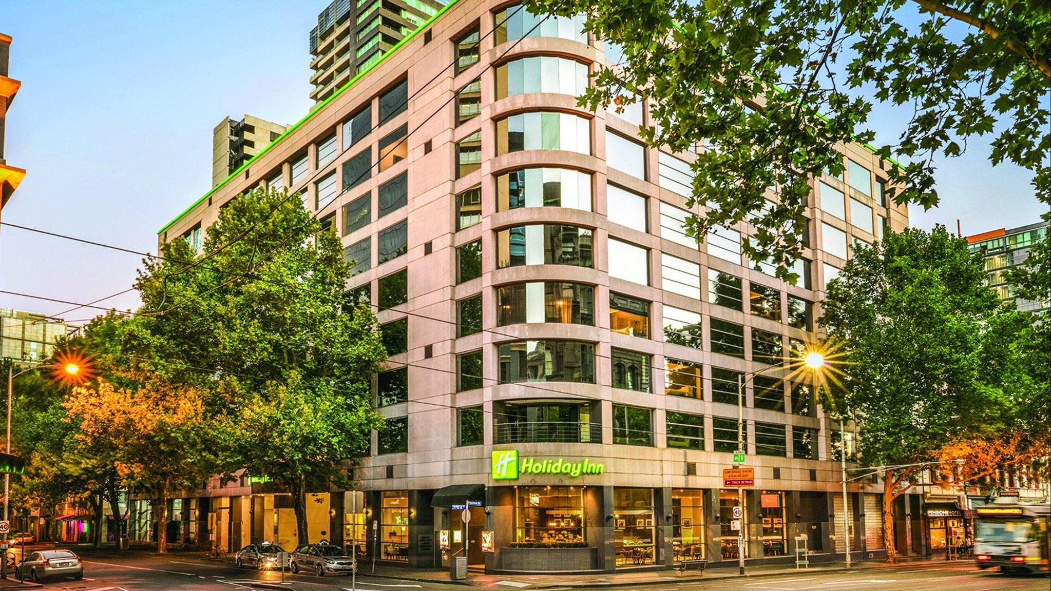 Holiday Inn Melbourne on Flinders Accommodation Melbourne CBD