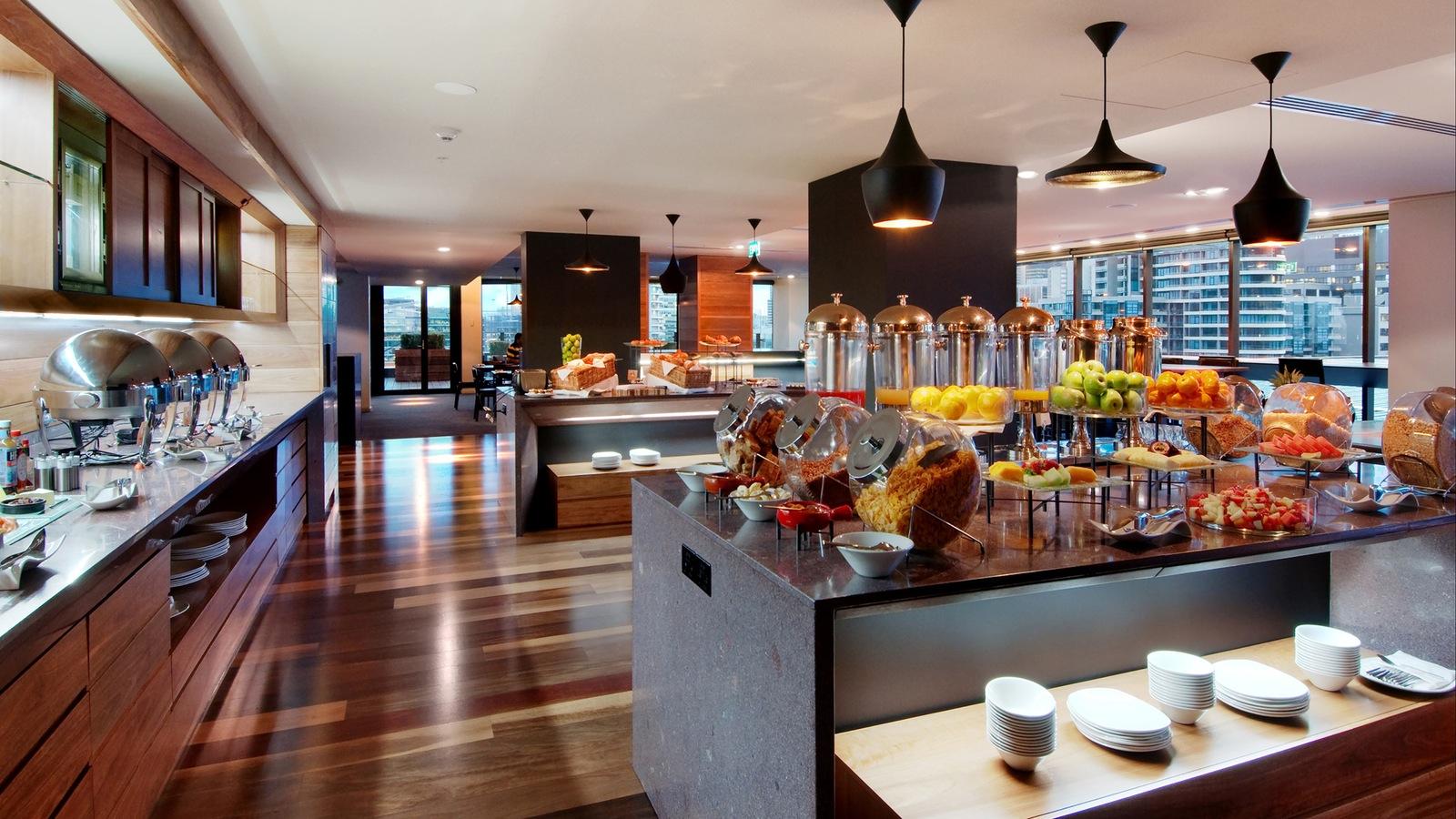 Hilton Melbourne South Wharf Executive Lounge