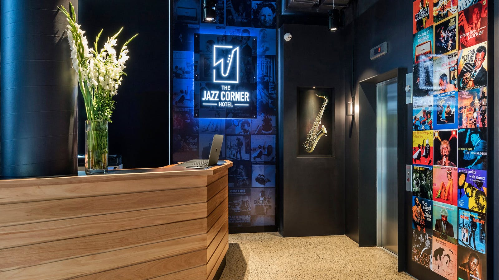 The Jazz Corner Hotel reception