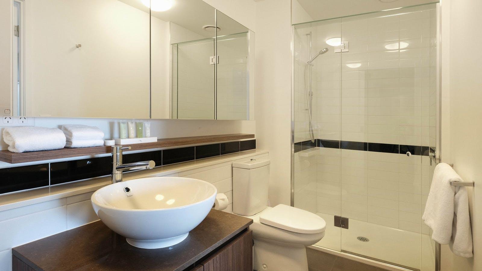The Jazz Corner Hotel bathroom