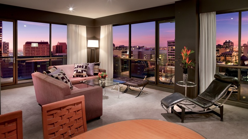 Medina Grand Melbourne - Three Bedroom Apartment