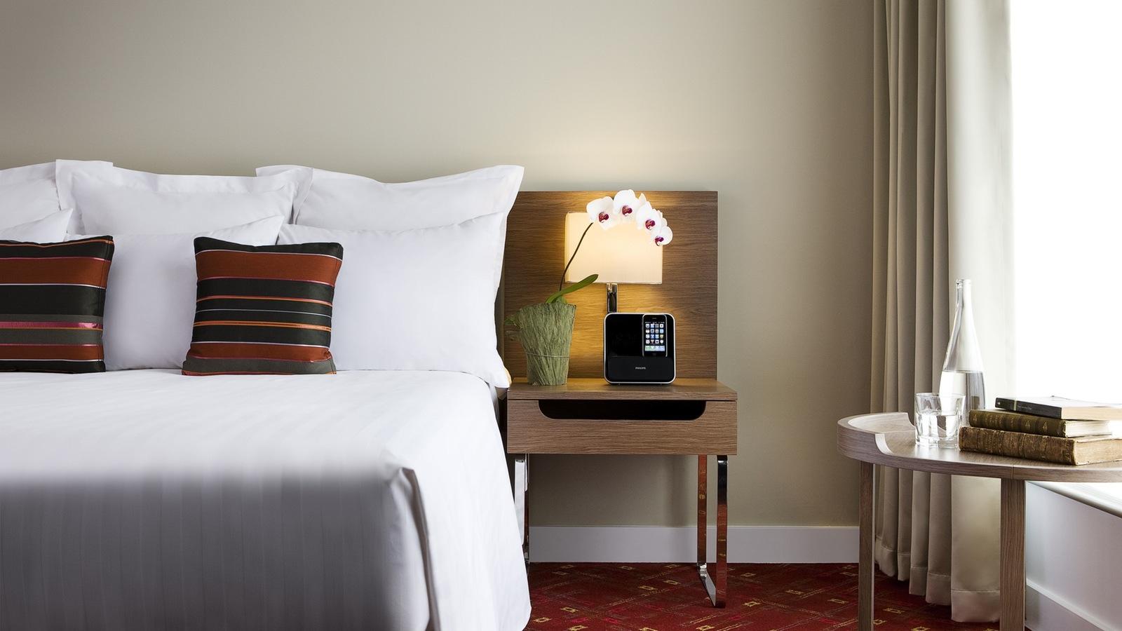 Melbourne Marriott Hotel,Geoff Lung