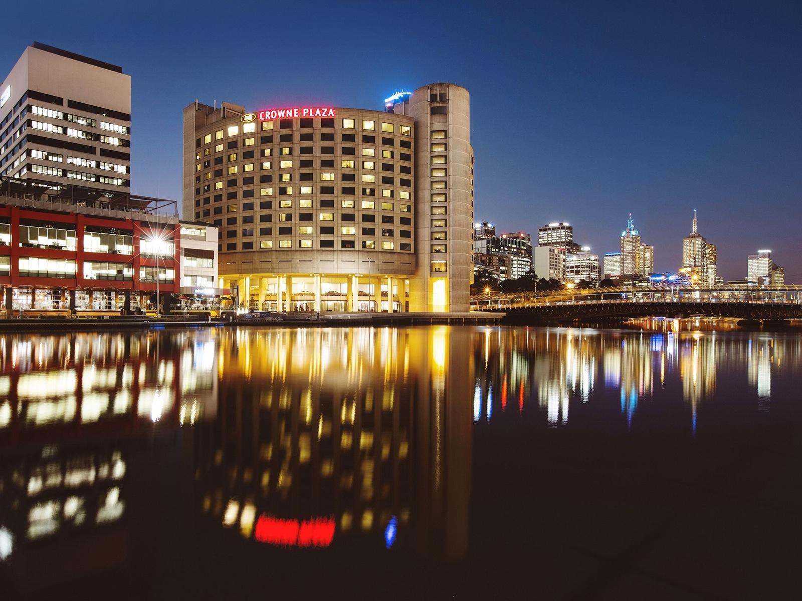 Crowne Plaza Melbourne Hotel
