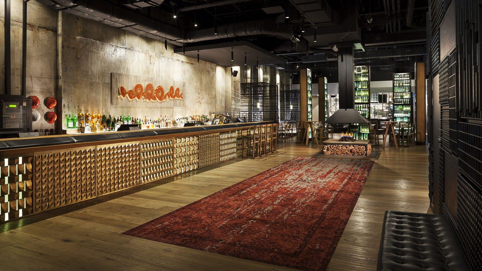 DoubleTree by Hilton - Melbourne Flinders Street Lobby