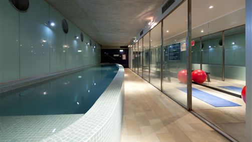 Guest facilities - Indoor pool and fitness room