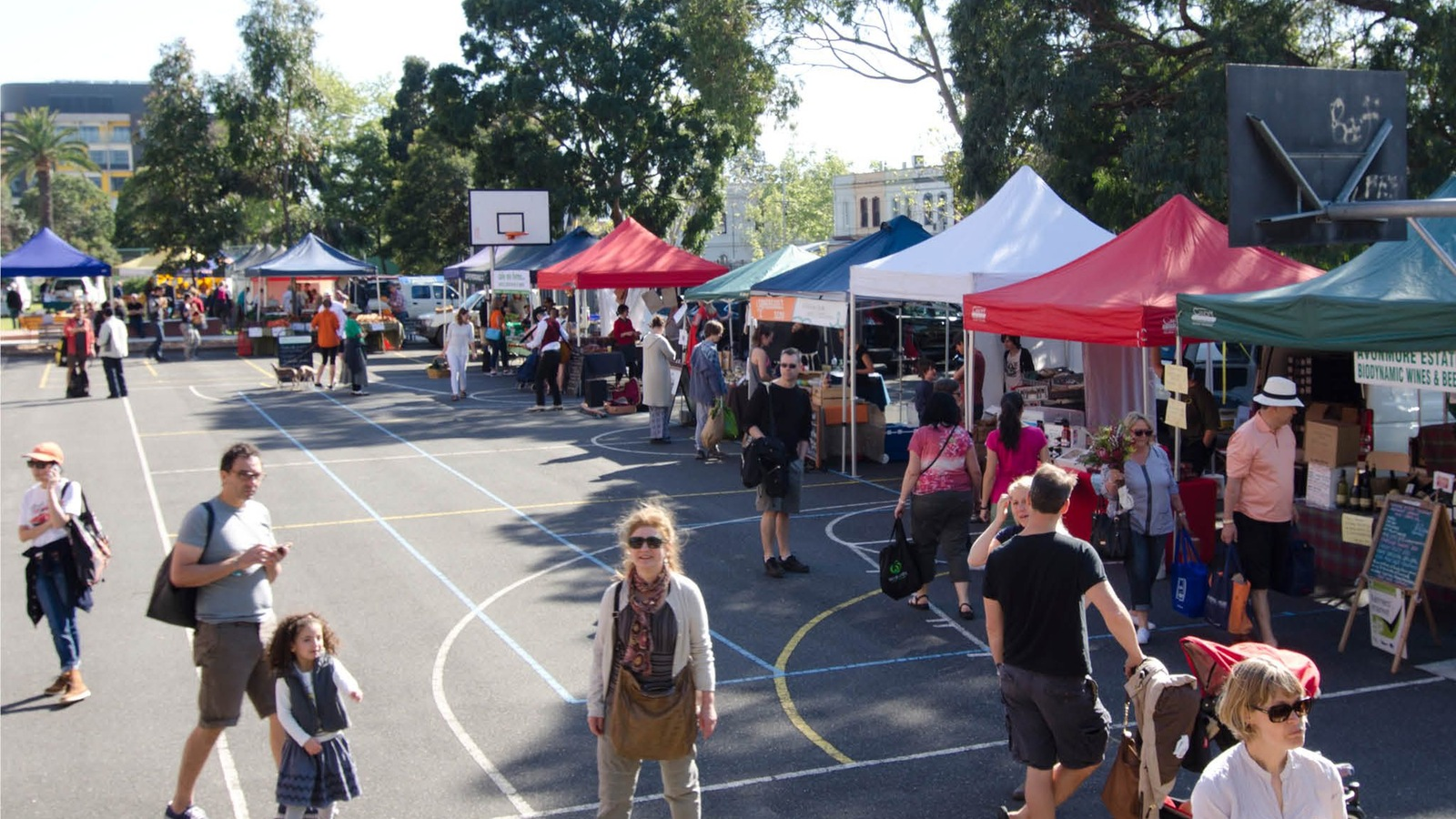 Carlton Farmers Markets scene