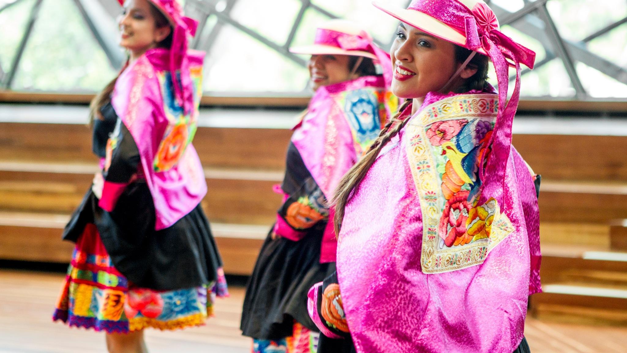 Deakin Edge Peruvian Folkloric