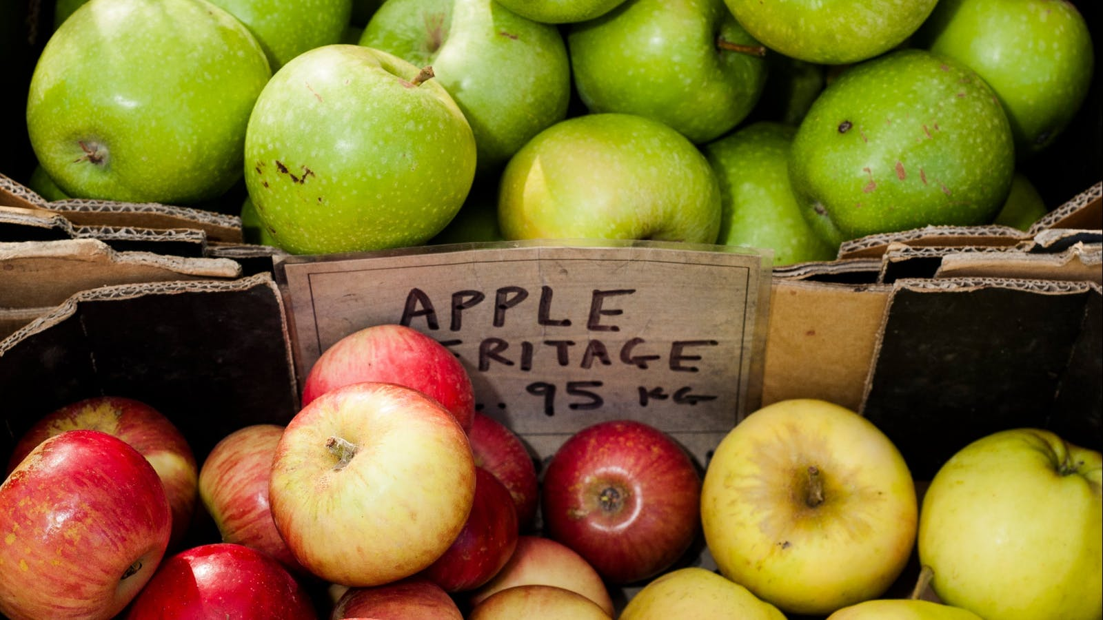 Fresh organic apples at CERES grocery