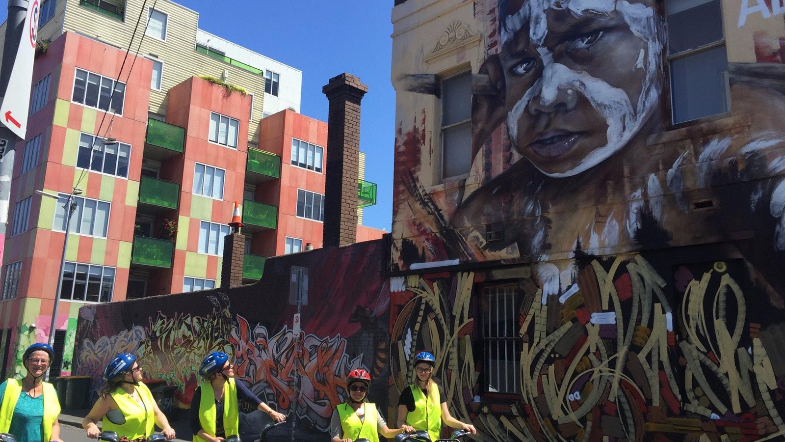 Appreciating street art on tour