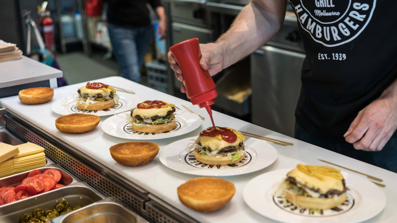 Hamburger making on the United States of Food (w/ Queen Victoria Markets)
