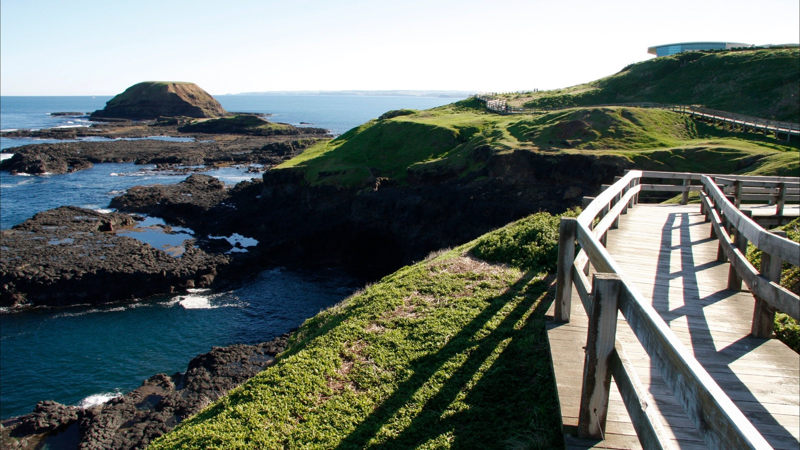 The boardwalk at the Nobbies on Phillip Island with Oceania Tours