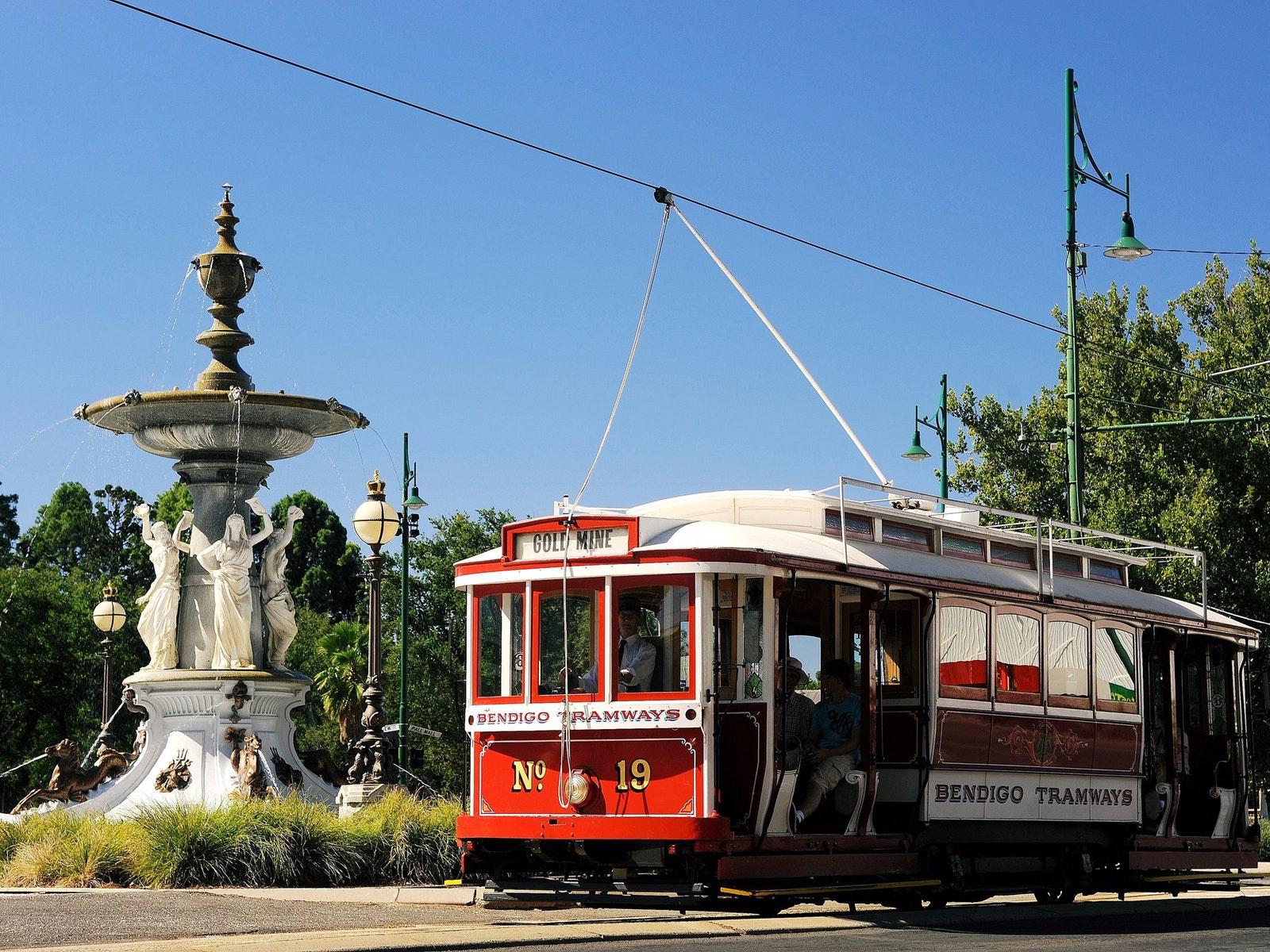 Vintage Talking Tram Bendigo - Oceania Tours