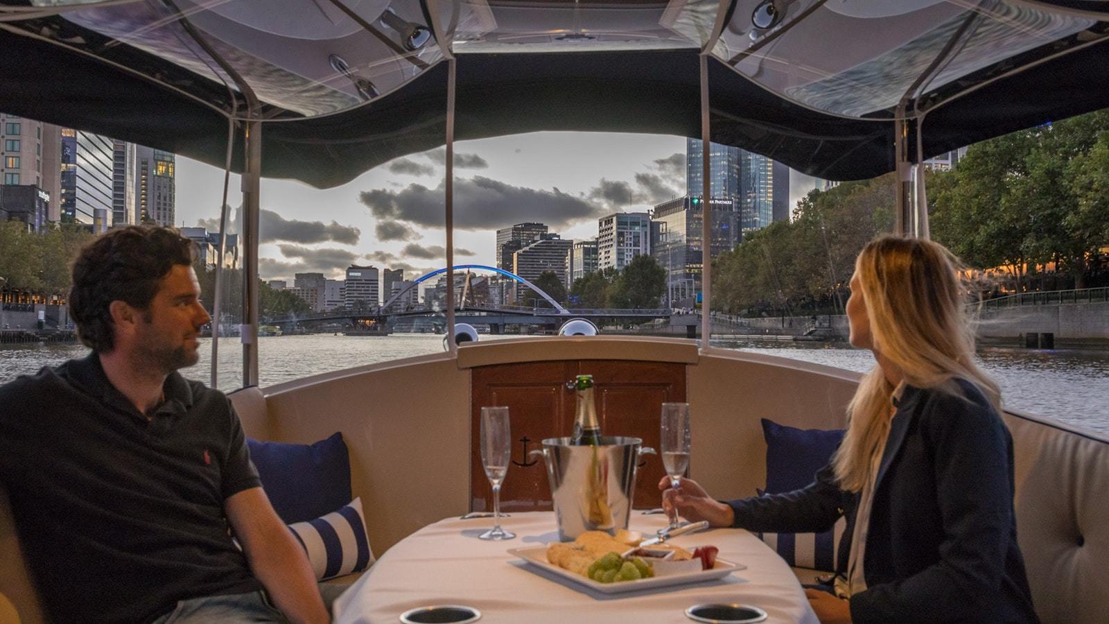 Romantic cruises on the Yarra River
